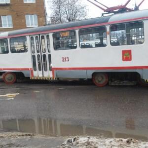 """фото В Твери трамвай вновь """"разъехался"""" колесами на развилке"""