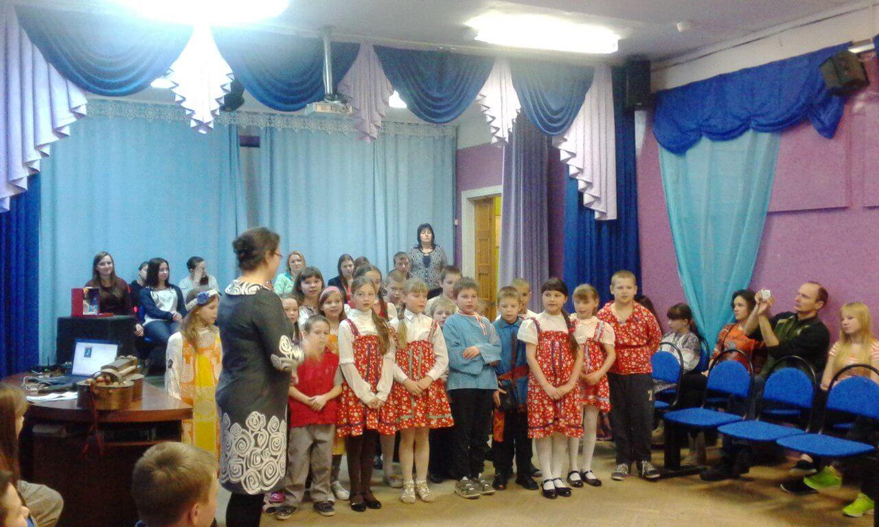 Волонтеры провели вечер рождественских колядок для детей в Медновской школе-интернате
