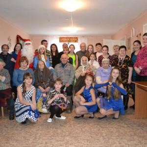 фото Лихославльские волонтеры организовали новогодний праздник для жителей Жереховского дома-интерната