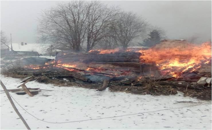 В Осташковском районе жилой дом сгорел из-за неправильного обращения с газовым оборудованием