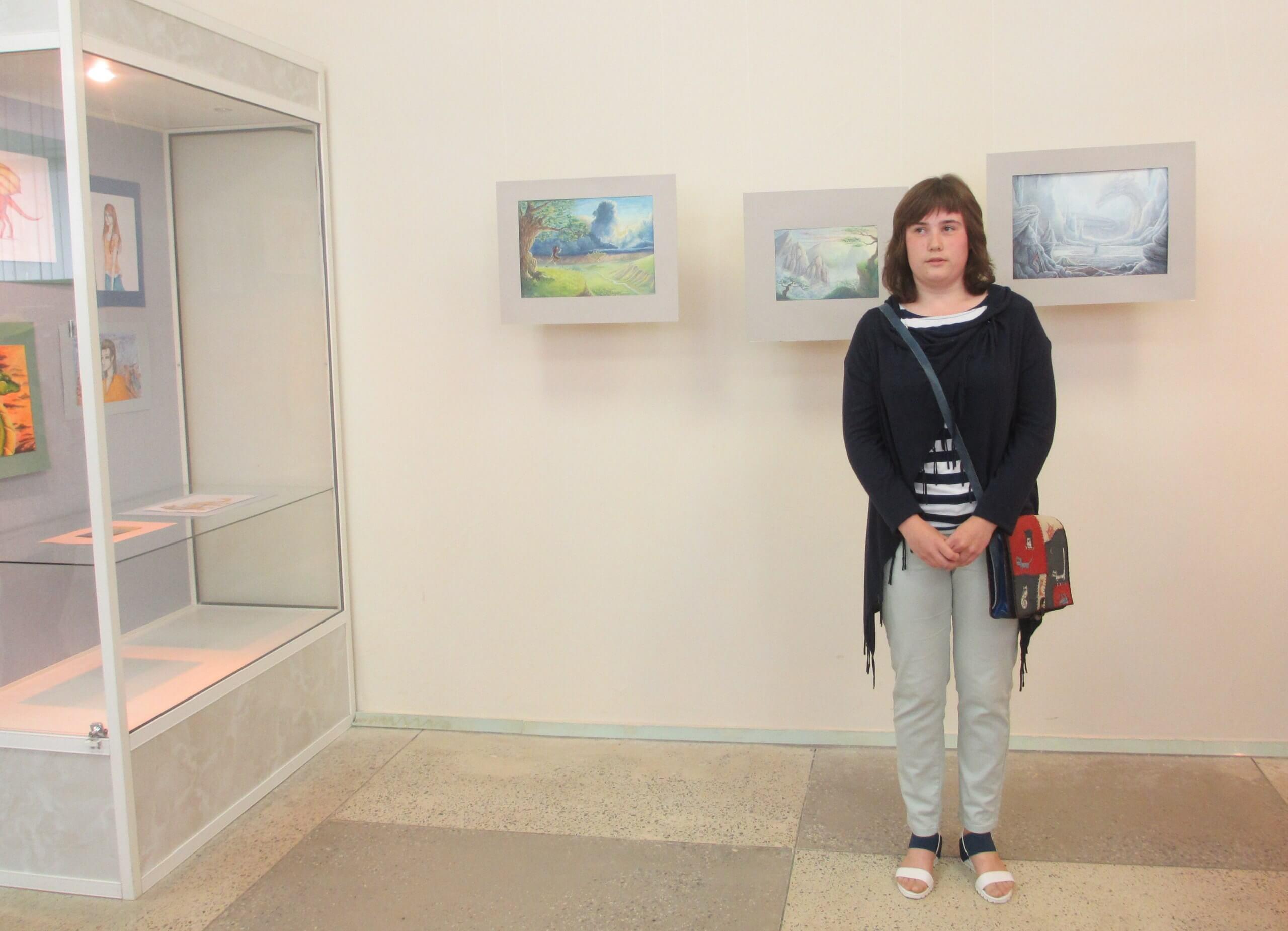 В Удомельском краеведческом музее открылась персональная выставка 17-летней Александры Турковской