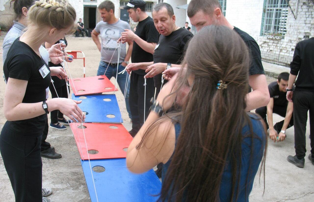 Волонтеры провели соревнования по тимбилдингу в СИЗО №1