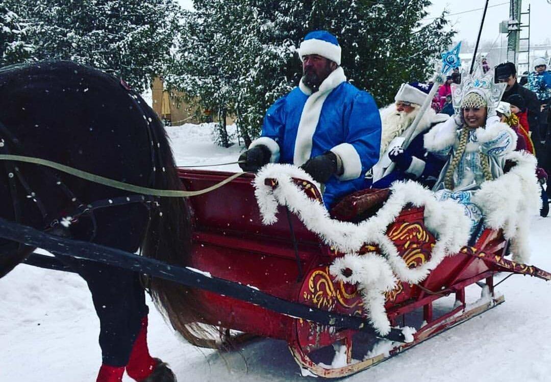 Тверь встретила Деда Мороза и Снегурочку