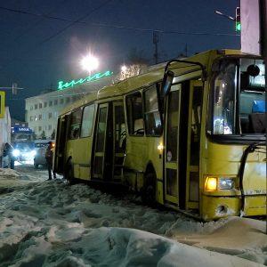 фото Жители Тверской области просят навести порядок на трассах М-10 и М-11