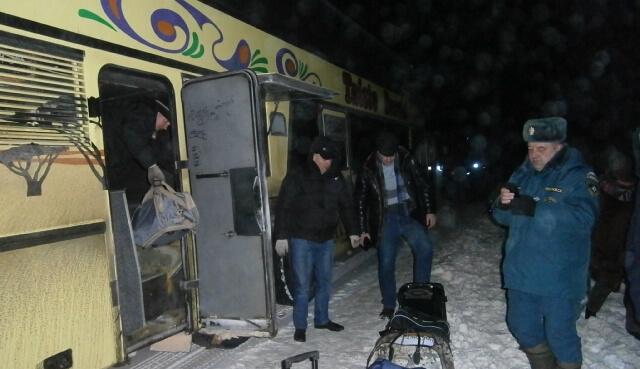На трассе в Западнодвинском районе в мороз сломался автобус с пассажирами