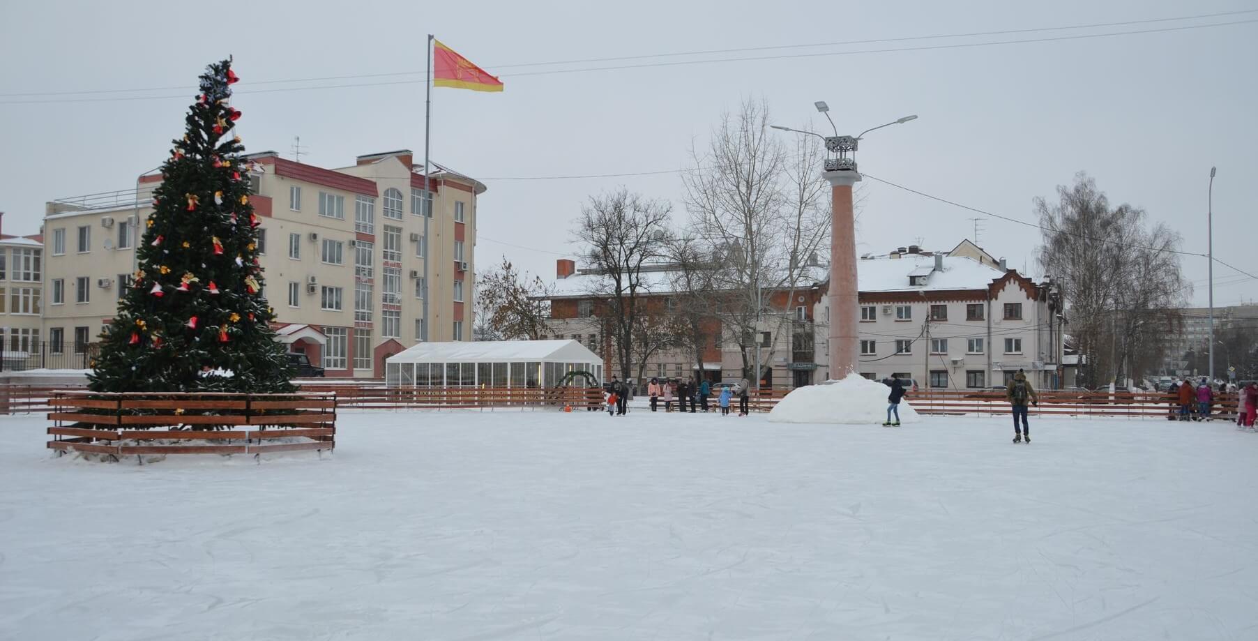 В Твери появился новый каток на площади Славы