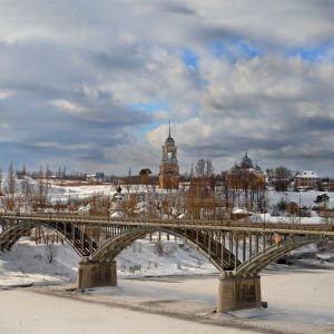 фото Работа стоит, время идет - в Старице компания-подрядчик не справилась с ремонтом моста