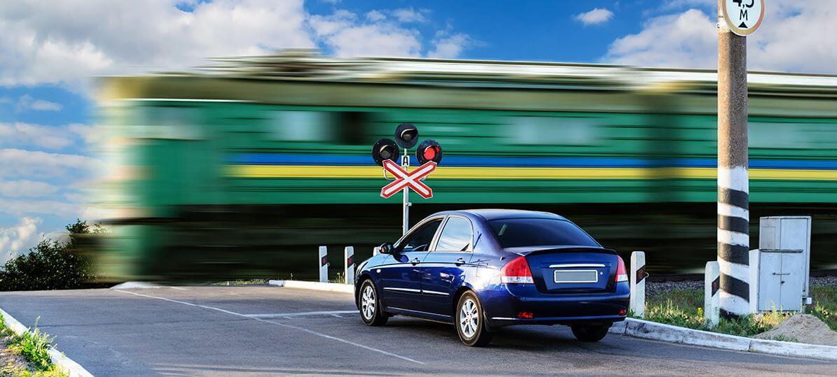 Количество ДТП на переездах Октябрьской железной дороги сократилось на 40%