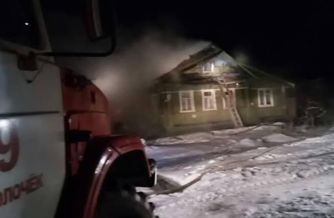 В Вышнем Волочке на пожаре пострадал человек