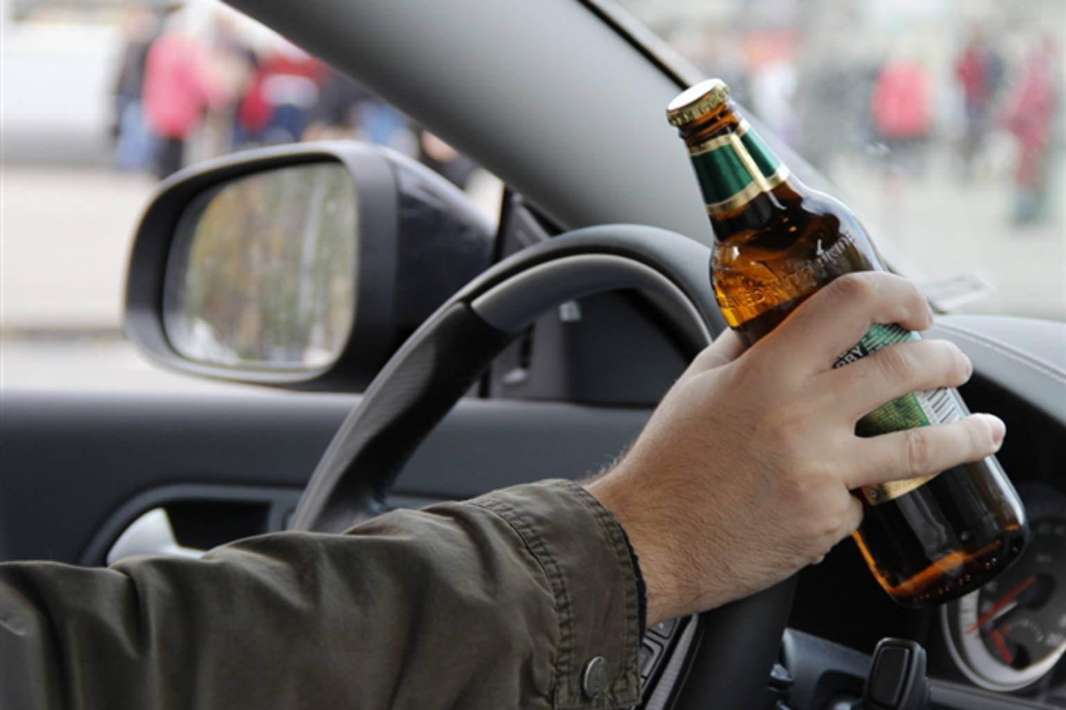 Автолюбитель, лишенный водительских прав, сел пьяным за руль