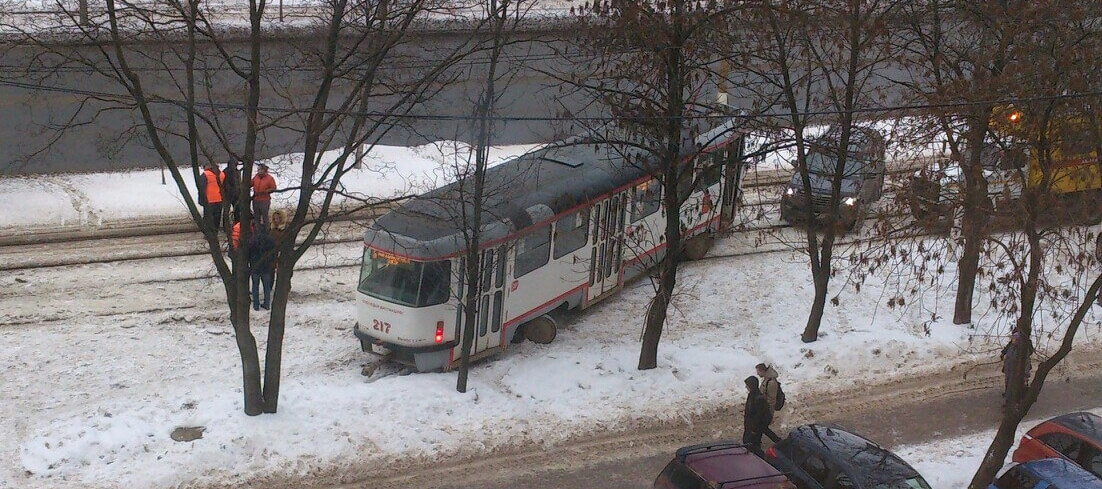 "В Твери снова ""дрифтанул"" трамвай"