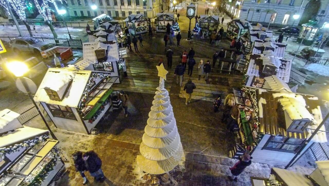 Рождественская ярмарка не выдержала рождественских морозов