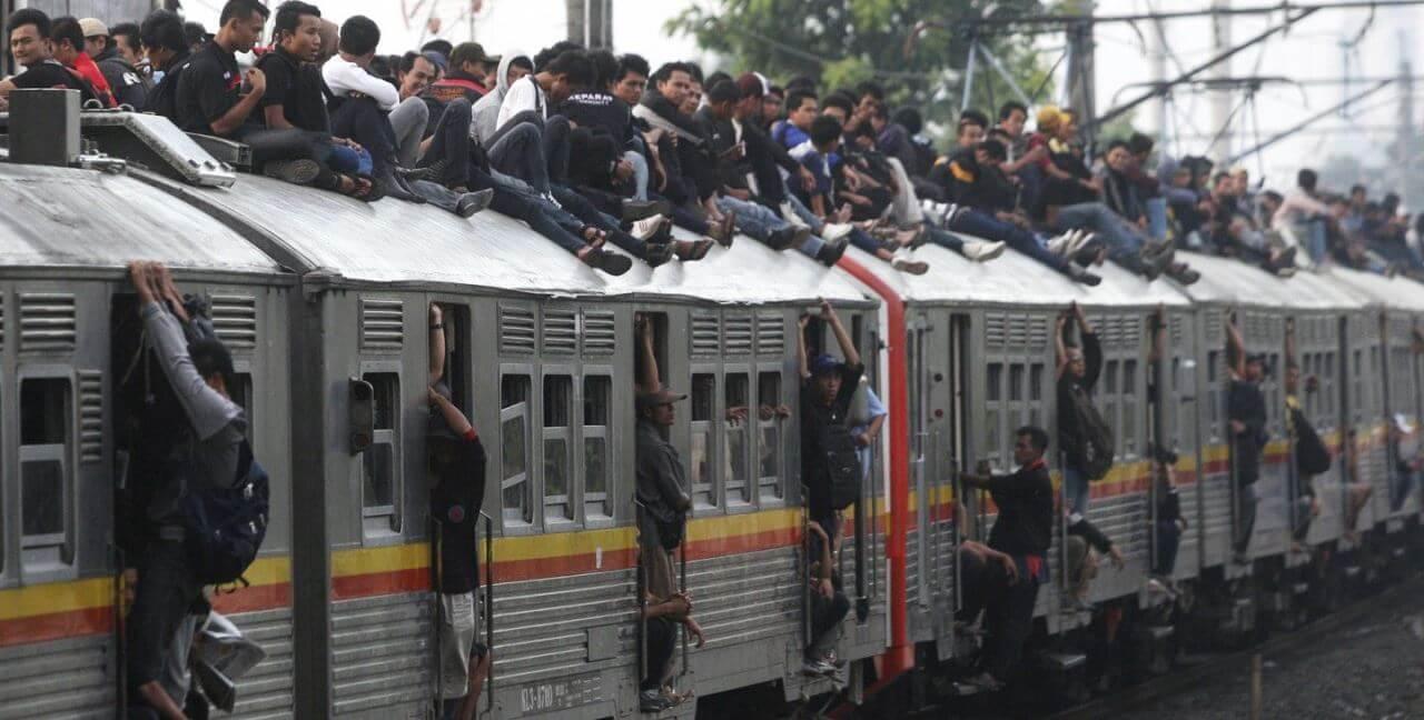 На пригородных пассажирских поездах за 2016 год отловили около 149 тысяч безбилетников