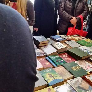 фото Тверичи обменяются книгами в библиотеке им.Горького