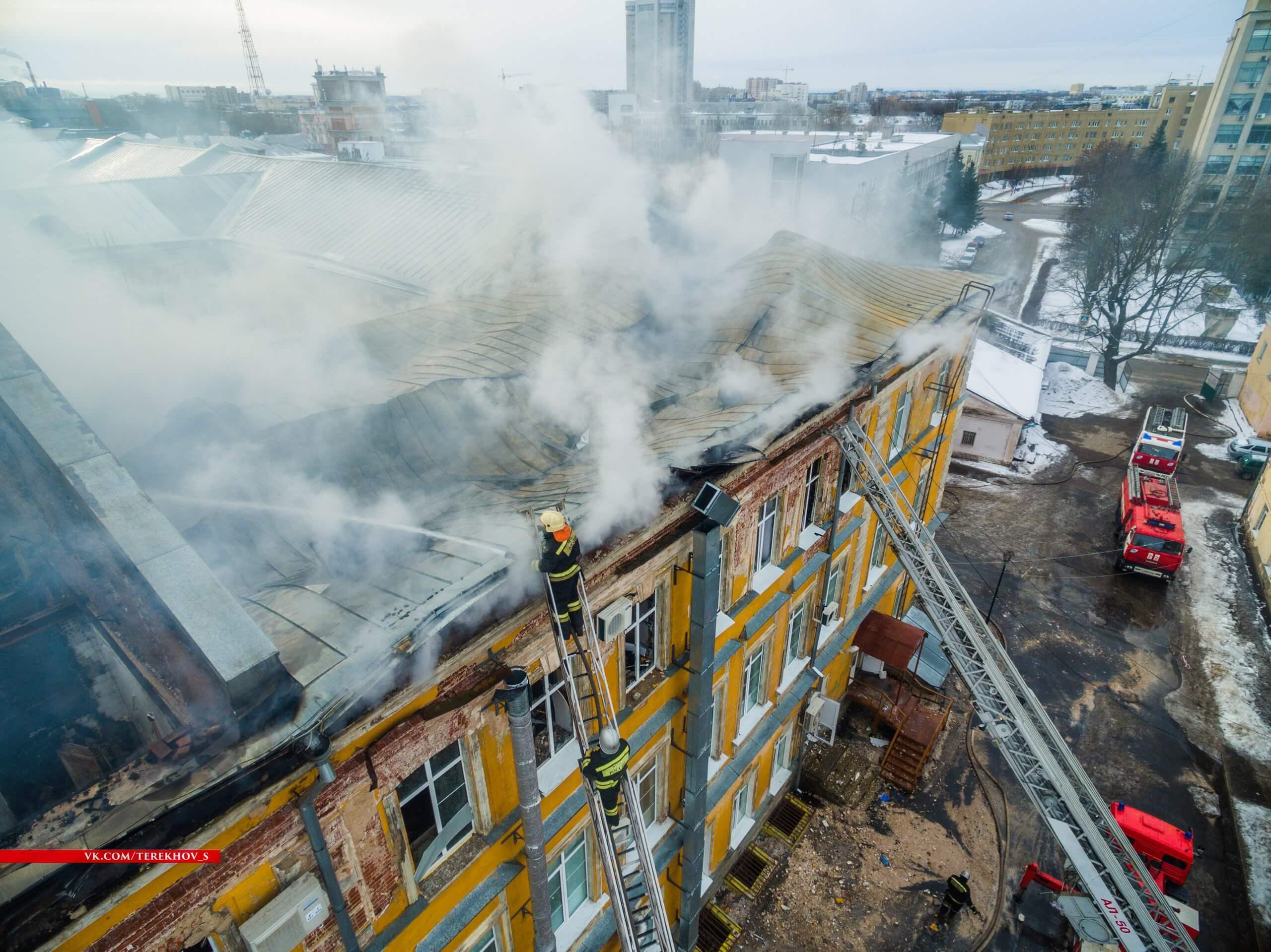 В Детской областной больнице, где произошел крупный пожар, временно введен мораторий на плановые операции