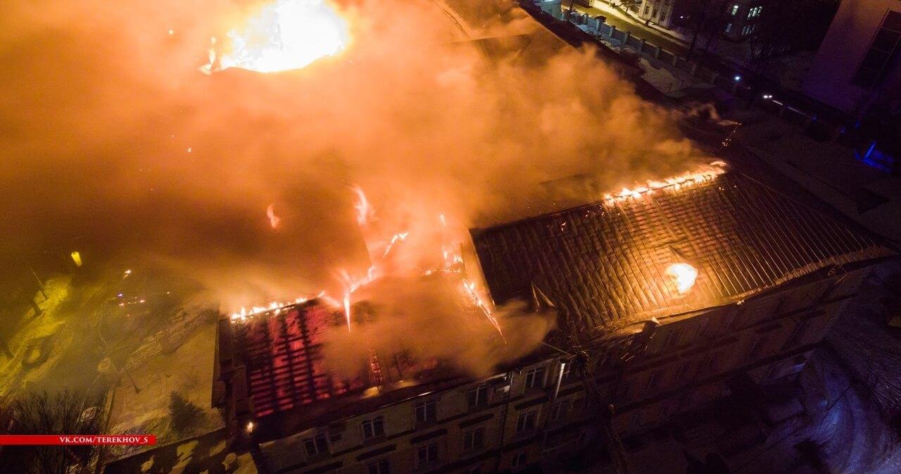 В детской областной больнице, пострадавшей после ночного пожара, возобновилось открытое горение