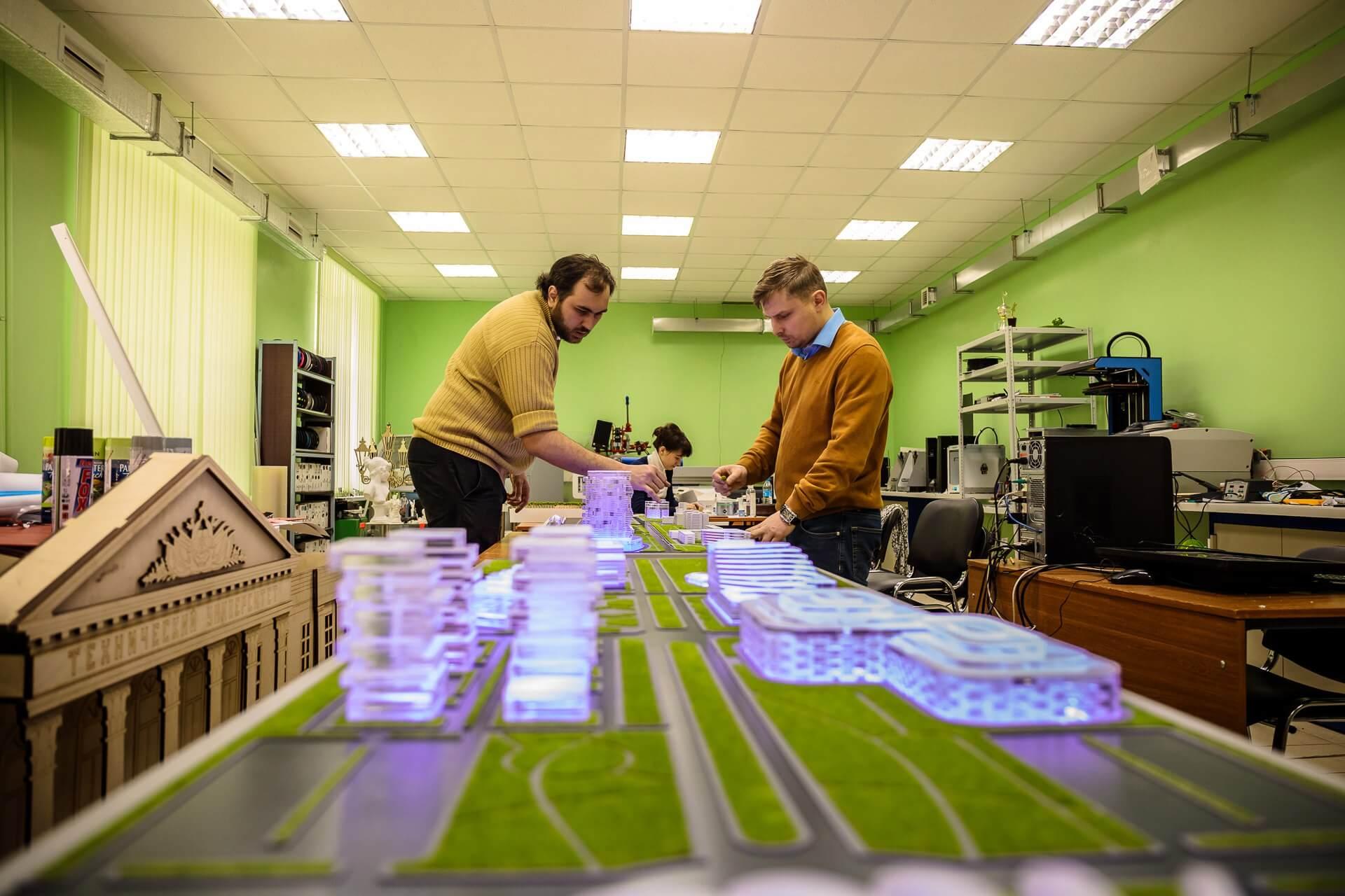 """3D-макеты """"Тверь Сити"""" и """"Тверь Экспо"""" для форума в Сочи изготовили в тверском центре молодежного инновационного творчества"""