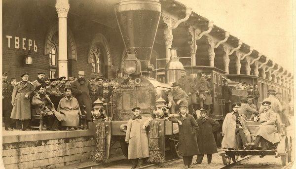 """Железная дорога """"Санкт-Петербург - Москва"""" отмечает 175-летие с момента подписания указа о строительстве"""