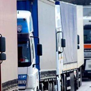 фото В нескольких районах области ограничат движение большегрузов