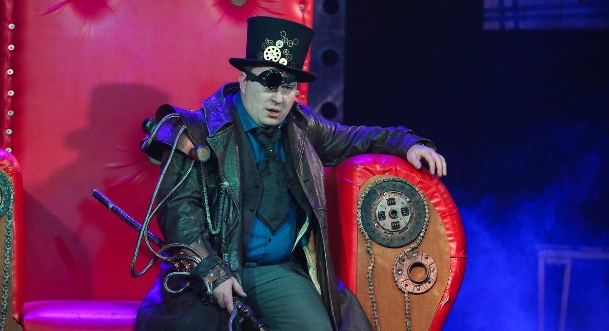 """Театр-студия """"Премьер"""" приглашает на спектакли"""