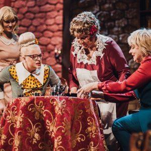 """фото Женщины женщинам - в Тверском театре драмы пройдет праздничный показ ироничного детектива """"Восемь любящих женщин"""""""