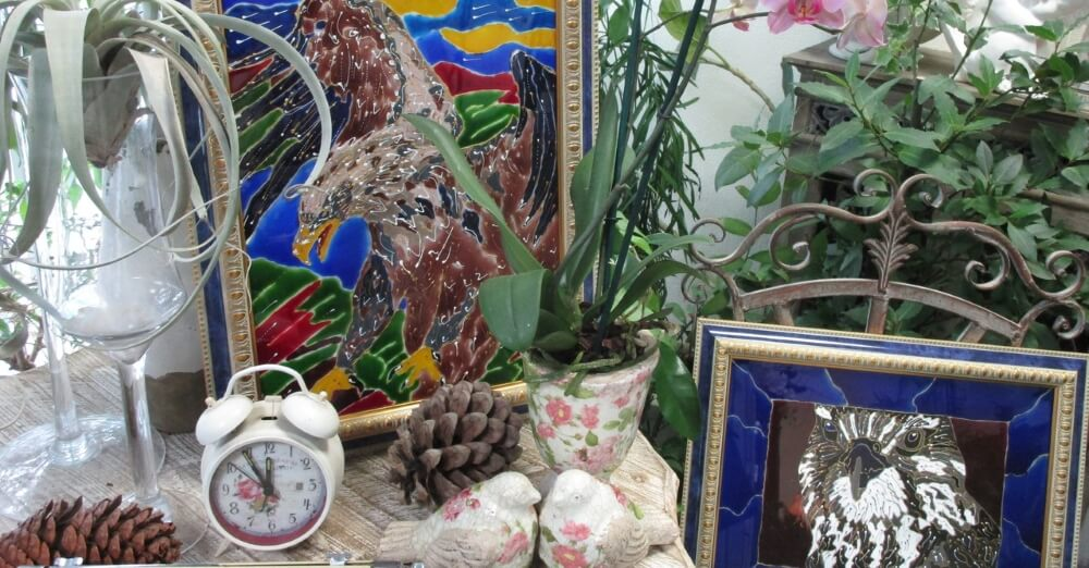 """В Тверском ботаническом саду проходит выставка """"Сияние цветочных витражей"""""""