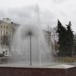 фото В Твери состоялся пробный пуск фонтана на Тверской площади