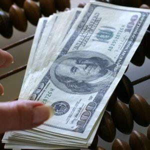 фото За нарушения валютного законодательства в Твери стали штрафовать в три раза чаще
