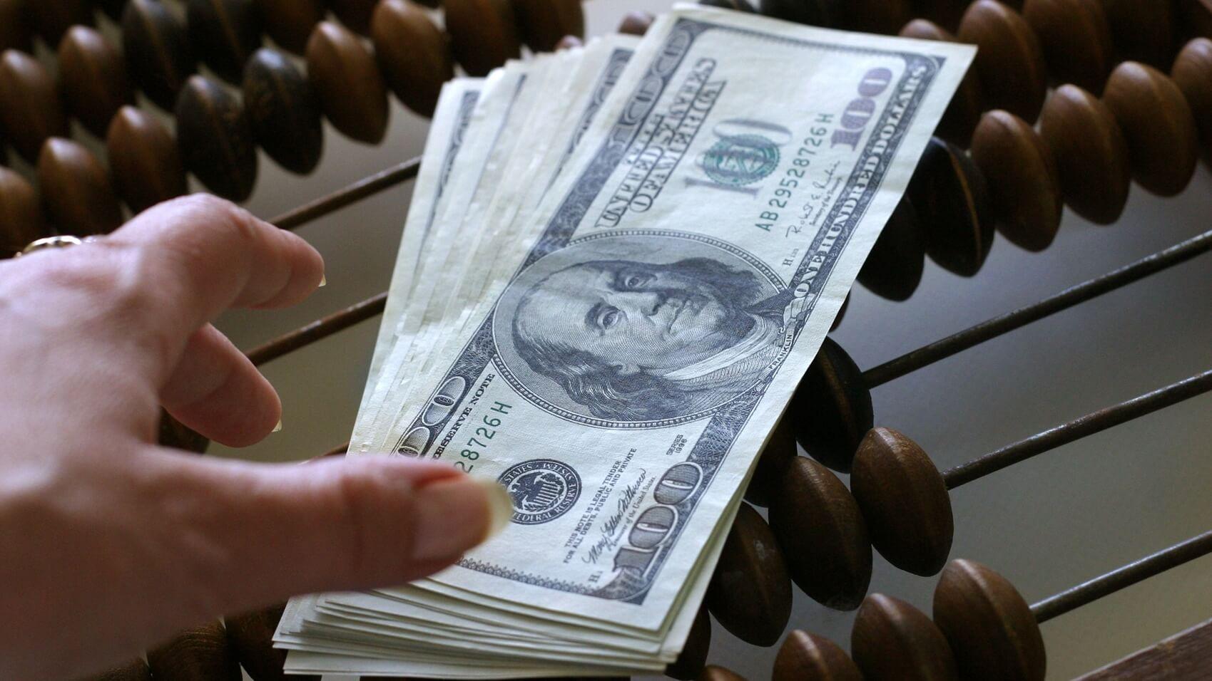 За нарушения валютного законодательства в Твери стали штрафовать в три раза чаще