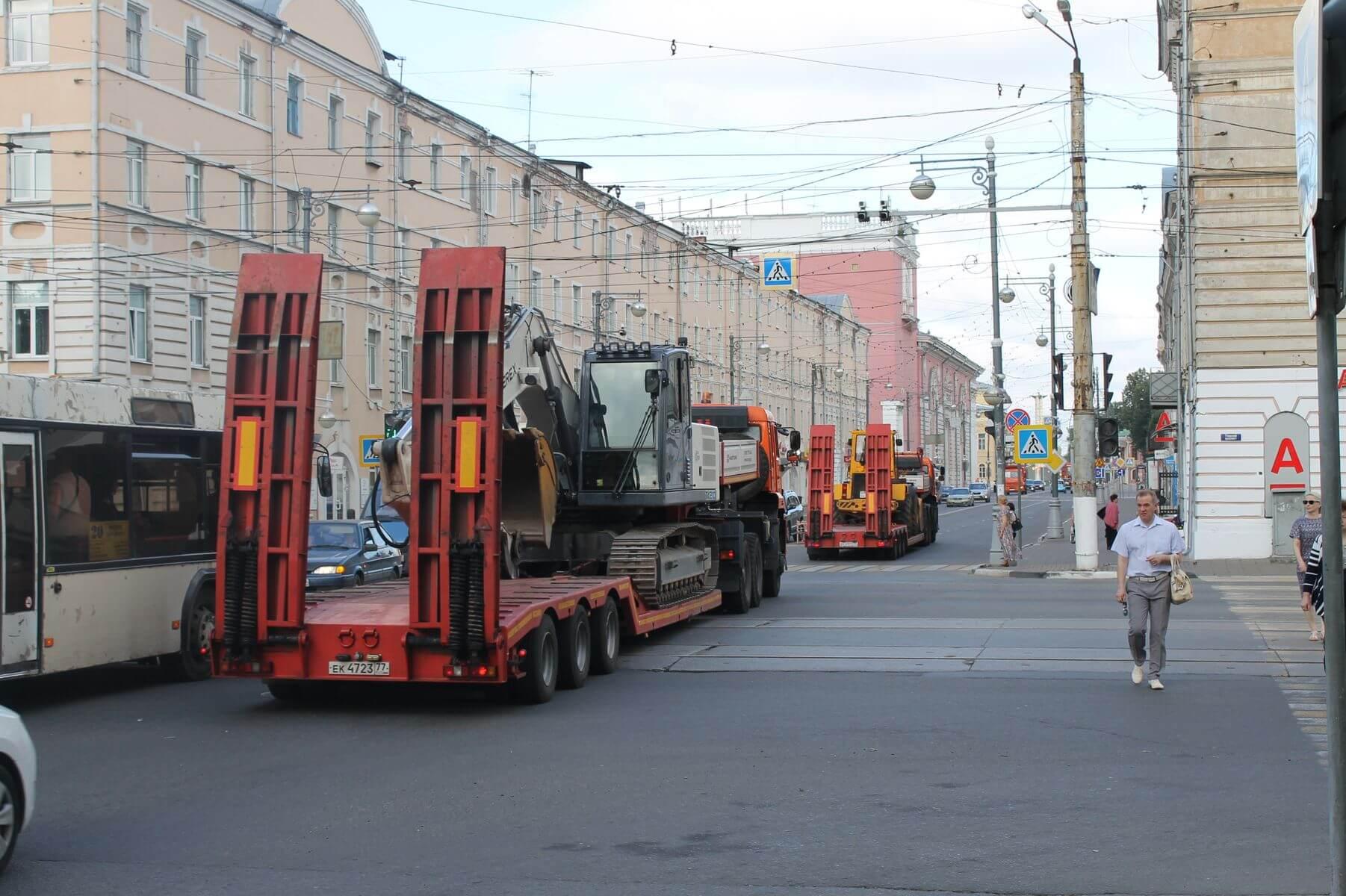 В Тверь прибывает дорожная техника из Москвы