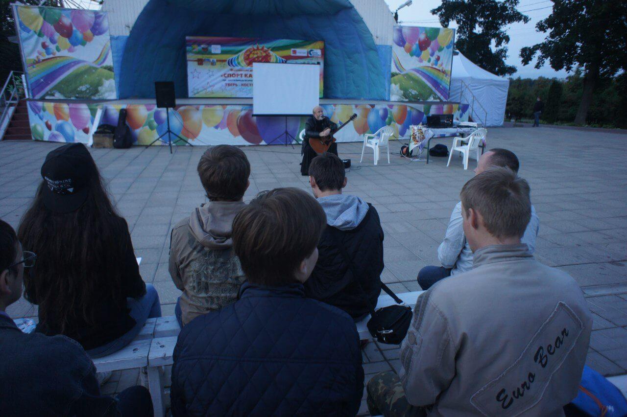 В тверском городском саду состоялся уличный показ фильма «Архиепископ Фаддей»