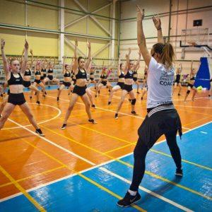 фото Тренер по чир фристайлу из Словении Саусан Джюлевич провела мастер-классы для тверских спортсменок