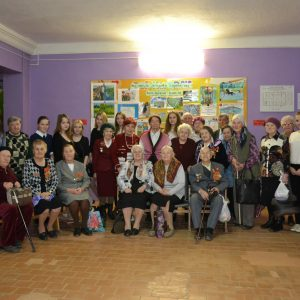 фото Волонтеры готовят праздник для ветеранов в Лихославльском районе