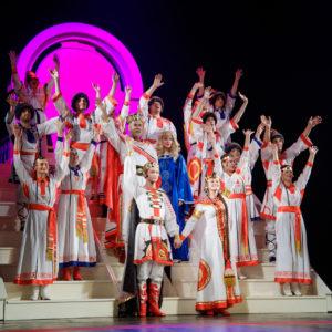 фото К Дню семьи, любви и верности Тверской театр драмы приготовил подарок многодетным семьям