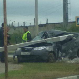 фото В Твери водитель погиб после столкновения со столбом