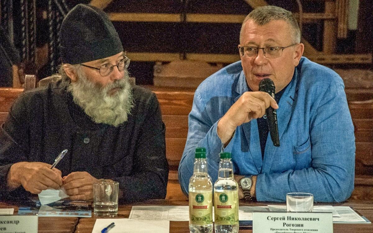 В Твери обсудили, способно ли население раз и навсегда победить вопрос алкоголизма