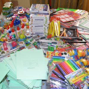 фото В Твери собрали 14 тыс. подарков к школе для нуждающихся детей