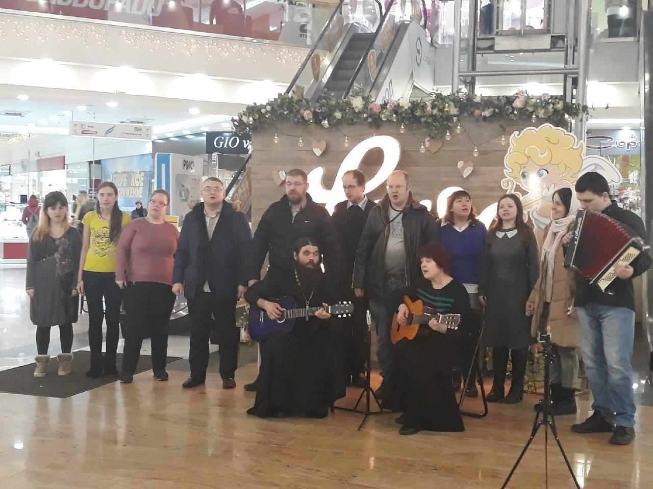 В Твери прошёл первый православный флэшмоб