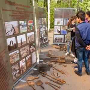 фото На открытой площадке Музея Победы 9 мая представили реликвии, найденные на местах сражений, в том числе и в Тверской области