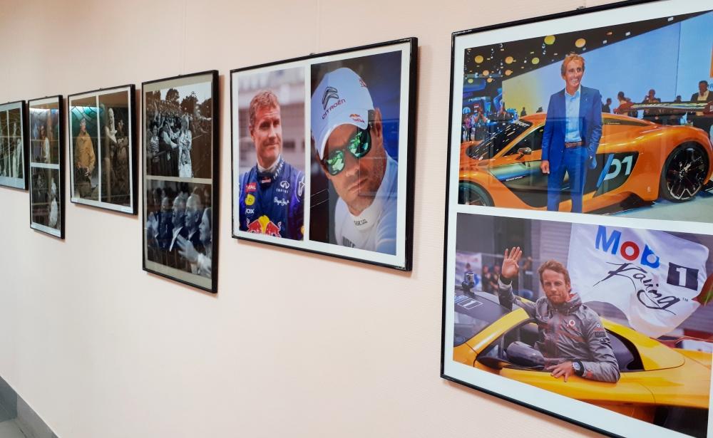 В Твери работает фотовыставка Владимира Алексеевича Комарова «Все звёзды»