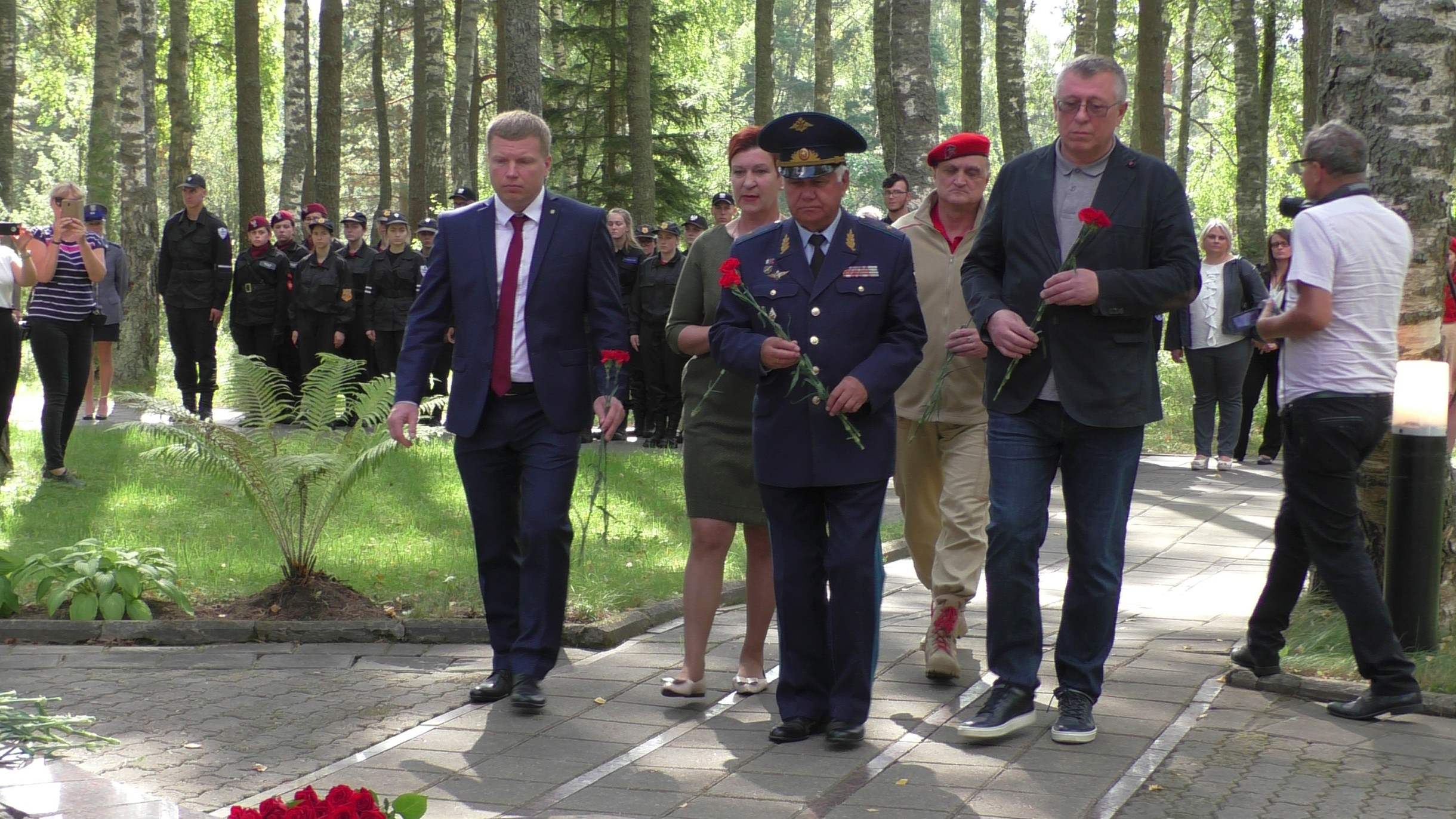 В канун окончания 2-й Мировой войны на территории мемориального комплекса Медное встретились тверские и польские школьники