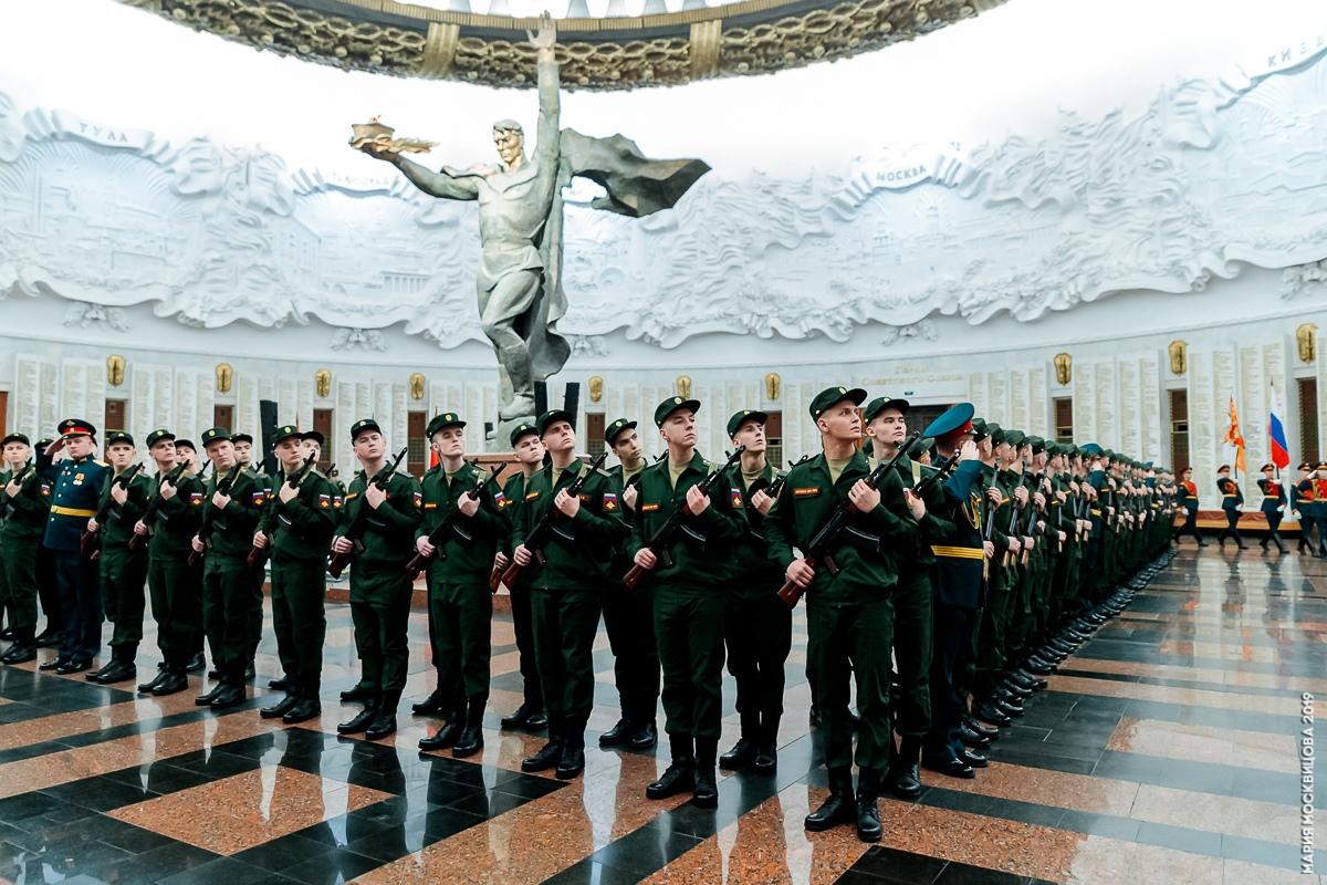 В преддверии Нового года новобранцы из Тверской области стали солдатами легендарного Преображенского полка