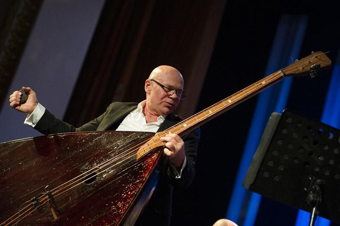 """В Твери фестиваль """"Музыкальная осень"""" закроется под звуки балалайки-контрабаса"""
