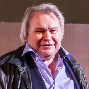 фото Аркадий Мамонтов возвращается в профессию - работать на правительство РФ