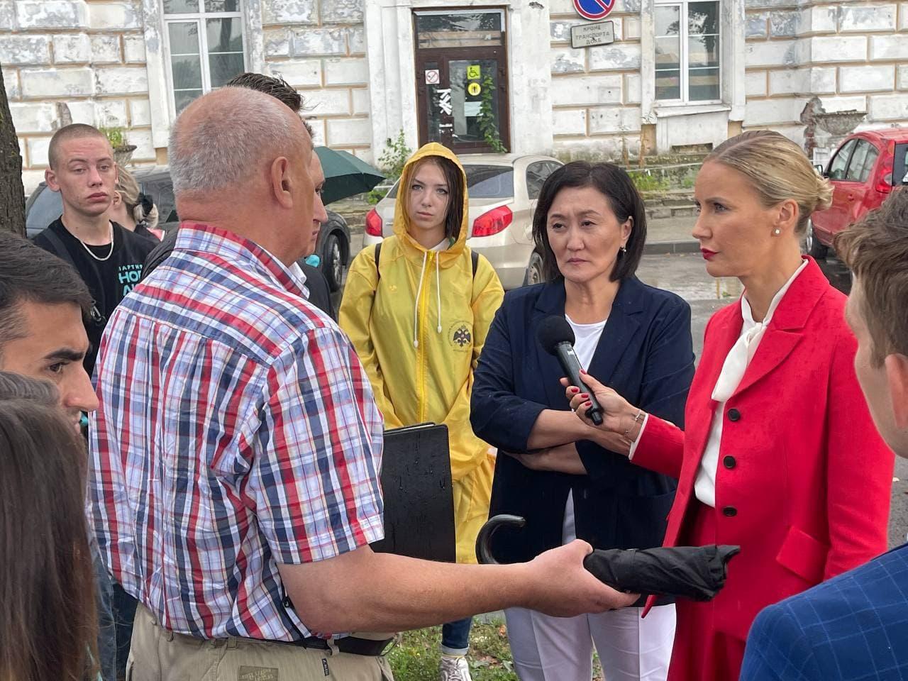 Сардана Авксентьева: регионам необходимы инициативные депутаты из народа, а не вечные ставленники