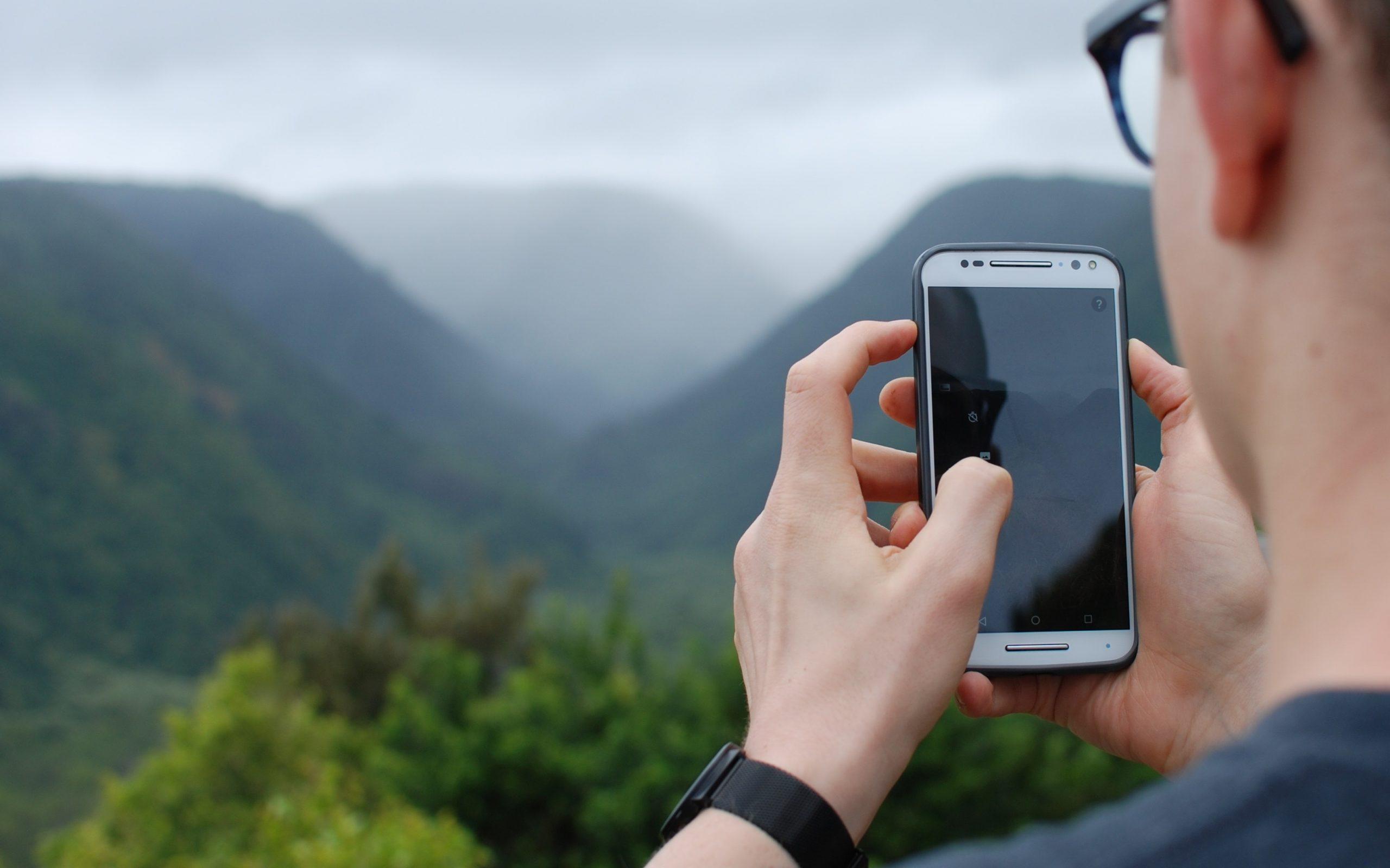Тверичане стали больше пользоваться смартфонами и связью за границей